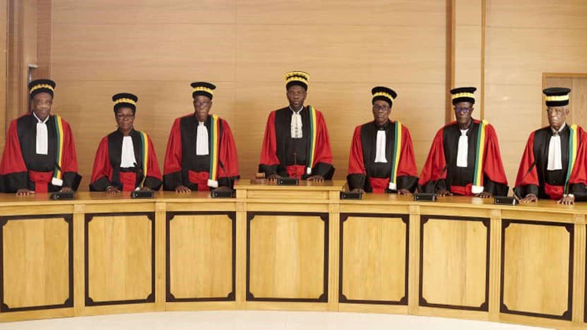 Les conseillers de la cour constitutionnels
